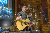 Wolfgang Fellner 60er - Park Hyatt Hotel - Mo 13.10.2014 - Andreas GABALIER live (B�hnenfoto)103