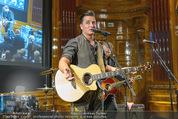 Wolfgang Fellner 60er - Park Hyatt Hotel - Mo 13.10.2014 - Andreas GABALIER live (B�hnenfoto)104