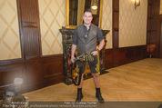 Wolfgang Fellner 60er - Park Hyatt Hotel - Mo 13.10.2014 - Andreas GABALIER backstage33