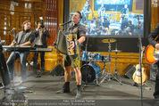Wolfgang Fellner 60er - Park Hyatt Hotel - Mo 13.10.2014 - Andreas GABALIER live (B�hnenfoto)93