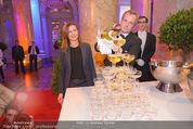 PK zum Silvesterball - Hofburg - Mi 15.10.2014 - Sektpyramide wird eingeschenkt, Alexandra KASZAY48