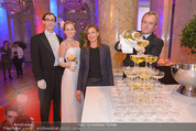 PK zum Silvesterball - Hofburg - Mi 15.10.2014 - Sektpyramide wird eingeschenkt, Alexandra KASZAY49