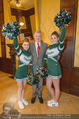 Rot Kreuz Ball PK - Park Hyatt - Mi 29.10.2014 - Thomas SCH�FER-ELMAYER mit Cheerleaders11