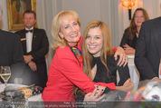 20 Jahre Dentalklinik Sievering - Hotel Bristol - Fr 07.11.2014 - Isabell WEINMANN mit Tante und Taufpatin Dagmar KOLLER28