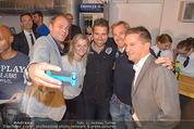 Winter Saison Openin - Nora Pure Sports - Sa 08.11.2014 - POLZER, WALCHHOFER, ARCH, LAHNSTEINER, KNAUSS machen Selfie62