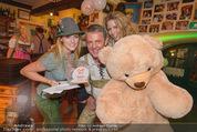 Tierquartier Charity - Schreiberhaus - Sa 08.11.2014 - Poldi HUBER und Tochter Jenny, Wendy NIGHT mit Teddyb�r12