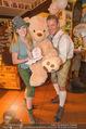 Tierquartier Charity - Schreiberhaus - Sa 08.11.2014 - Poldi HUBER und Tochter Jenny mit Teddyb�r13