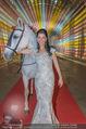 Ronald McDonald Kinderhilfe Gala - Marx Halle - Fr 14.11.2014 - Sonja KLIMA mit Pferd11