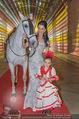 Ronald McDonald Kinderhilfe Gala - Marx Halle - Fr 14.11.2014 - Sonja KLIMA mit Pferd und Kind Yoana13