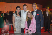 Ronald McDonald Kinderhilfe Gala - Marx Halle - Fr 14.11.2014 - Sonja KLIMA, Michael SCHADE mit Lisbeth, Alfons HAIDER41