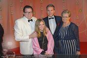 Ronald McDonald Kinderhilfe Gala - Marx Halle - Fr 14.11.2014 - Michael SCHADE mit Lisbeth, Alfons HAIDER mit Mutter Anna45