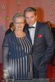Ronald McDonald Kinderhilfe Gala - Marx Halle - Fr 14.11.2014 - Alfons HAIDER mit Mutter Anna49