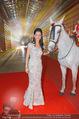 Ronald McDonald Kinderhilfe Gala - Marx Halle - Fr 14.11.2014 - Sonja KLIMA mit Pferd6