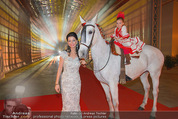 Ronald McDonald Kinderhilfe Gala - Marx Halle - Fr 14.11.2014 - Sonja KLIMA mit Pferd und Kind Yoana7