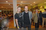 Österreich - Brasilien (VIP) - Ernst Happelstadion - Di 18.11.2014 - Manuel ORTLECHNER mit Ehefrau Kerstin36