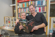 Bernie Rieder Buchpräsentation - Morawa - Do 27.11.2014 - Bernie RIEDER mit Oma Steffi (Stefanie) RIEDER11
