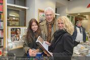 Bernie Rieder Buchpräsentation - Morawa - Do 27.11.2014 - Toni Anton POLSTER mit Freundin Birgit, deren Tochter Mariella23