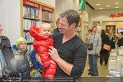 Bernie Rieder Buchpräsentation - Morawa - Do 27.11.2014 - Bernie RIEDER mit Kind (Sohn Valentin)7