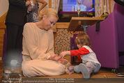 ZuKi Charity - Amterl - Do 04.12.2014 - Jenny ELVERS mit (fremdem) Kind Isabella122