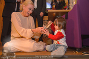 ZuKi Charity - Amterl - Do 04.12.2014 - Jenny ELVERS mit (fremdem) Kind Isabella127