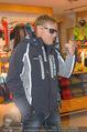 Snow Mobile Tag 2 - Saalbach - Sa 06.12.2014 - Dieter BOHLEN beim Shoppen103