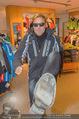 Snow Mobile Tag 2 - Saalbach - Sa 06.12.2014 - Dieter BOHLEN beim Shoppen105