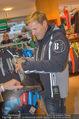 Snow Mobile Tag 2 - Saalbach - Sa 06.12.2014 - Dieter BOHLEN beim Shoppen106