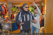 Snow Mobile Tag 2 - Saalbach - Sa 06.12.2014 - Dieter BOHLEN beim Shoppen110