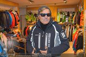 Snow Mobile Tag 2 - Saalbach - Sa 06.12.2014 - Dieter BOHLEN beim Shoppen112