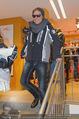 Snow Mobile Tag 2 - Saalbach - Sa 06.12.2014 - Dieter BOHLEN beim Shoppen117