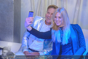 White Pearl Mountain Club - Saalbach (Snow Mobile) - Sa 06.12.2014 - Larissa MAROLT, Dieter BOHLEN machen Selfie141