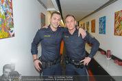 ORF Jahresrückblick Aufzeichnung - ORF Zentrum - Di 09.12.2014 - YouTube-Polizisten Christopher und Daniel12