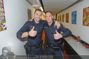 ORF Jahresrückblick Aufzeichnung - ORF Zentrum - Di 09.12.2014 - YouTube-Polizisten Christopher und Daniel2