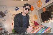 Robin Schulz Autogrammstunde - Swatch Store - Do 11.12.2014 - Robin SCHULZ1