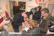 Robin Schulz Autogrammstunde - Swatch Store - Do 11.12.2014 - Robin SCHULZ6