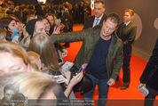 Kinopremiere ´Honig im Kopf´ - Cineplexx Donauplex - Mi 17.12.2014 - Til SCHWEIGER gibt Autogramme, Fans14