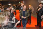 Kinopremiere ´Honig im Kopf´ - Cineplexx Donauplex - Mi 17.12.2014 - Til SCHWEIGER gibt Autogramme, Fans15