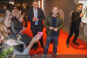 Kinopremiere ´Honig im Kopf´ - Cineplexx Donauplex - Mi 17.12.2014 - Til SCHWEIGER gibt Autogramme, Fans16