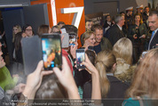 Kinopremiere ´Honig im Kopf´ - Cineplexx Donauplex - Mi 17.12.2014 - Til SCHWEIGER gibt Autogramme, Fans42