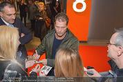 Kinopremiere ´Honig im Kopf´ - Cineplexx Donauplex - Mi 17.12.2014 - Til SCHWEIGER gibt Autogramme, Fans44