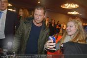 Kinopremiere ´Honig im Kopf´ - Cineplexx Donauplex - Mi 17.12.2014 - Til SCHWEIGER macht Selfie mit Fan51