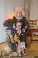 Weihnachtscocktail - Marika Lichter Wohnung - Do 18.12.2014 - Marika LICHTER mit Sohn Paul und Hund Roxy5