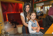 X-Mas Punsch und Wintergrill - Hanner - So 21.12.2014 - Nina BRUCKNER mit Tochter Larissa31