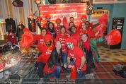 Seminaked in Red - Desigual - Sa 27.12.2014 - 1