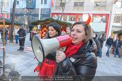 Seminaked in Red - Desigual - Sa 27.12.2014 - 28