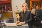 Schiller Neujahrscocktail - Hilton am Stadtpark - Do 08.01.2015 - Kathrin GLOCK mit Pokal, Auszeichnung54