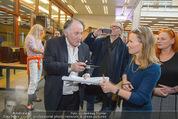 Peter Weibel Konzert - 21er Haus - Sa 10.01.2015 - Peter WEIBEL gibt Autogramme83