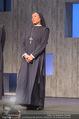 Premiere ´Zweifel´ - Stadttheater Walfischgasse - Mi 14.01.2015 - Anita AMMERSFELD als Nonne (B�hnenfoto)5
