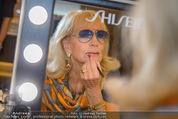 Style up your Life - Melia Hotel, Wien - Mi 14.01.2015 - Dagmar KOLLER beim Schminken, Spiegel, Maske64