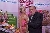 114. Zuckerbäckerball - Hofburg - Do 15.01.2015 - Richard und Cathy LUGNER5